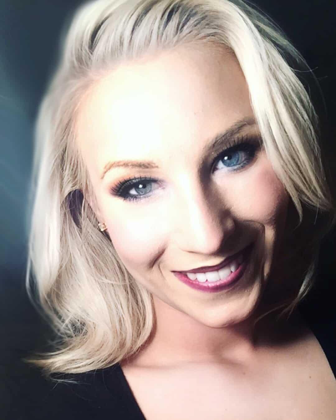 Victoria Barna March Makeup Artist Feature